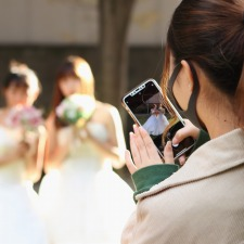 【授業紹介】ブライダルプランナーコース スマートフォンで素敵な写真撮影にチャレンジ!