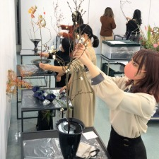 『旧七夕会池坊全国華道展』に本学学生が出瓶しました!